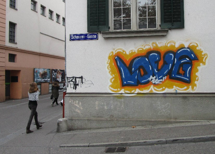 LOVE GRAFFITI SCHANZENGASSE